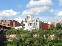 Weisman Art Museum. Building by Frank Gehry.