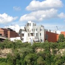 Weisman Art Museum. Building by Frank Gehry.
